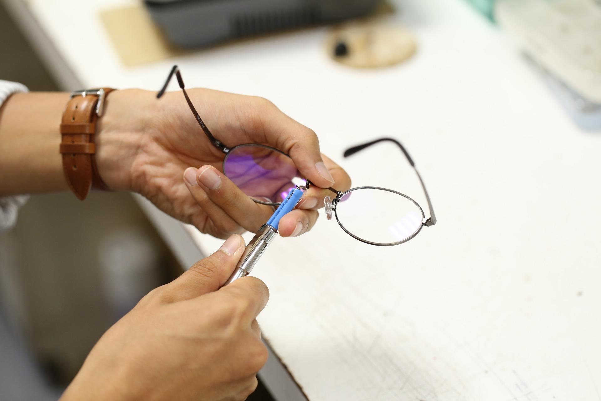 メガネのフィッティング